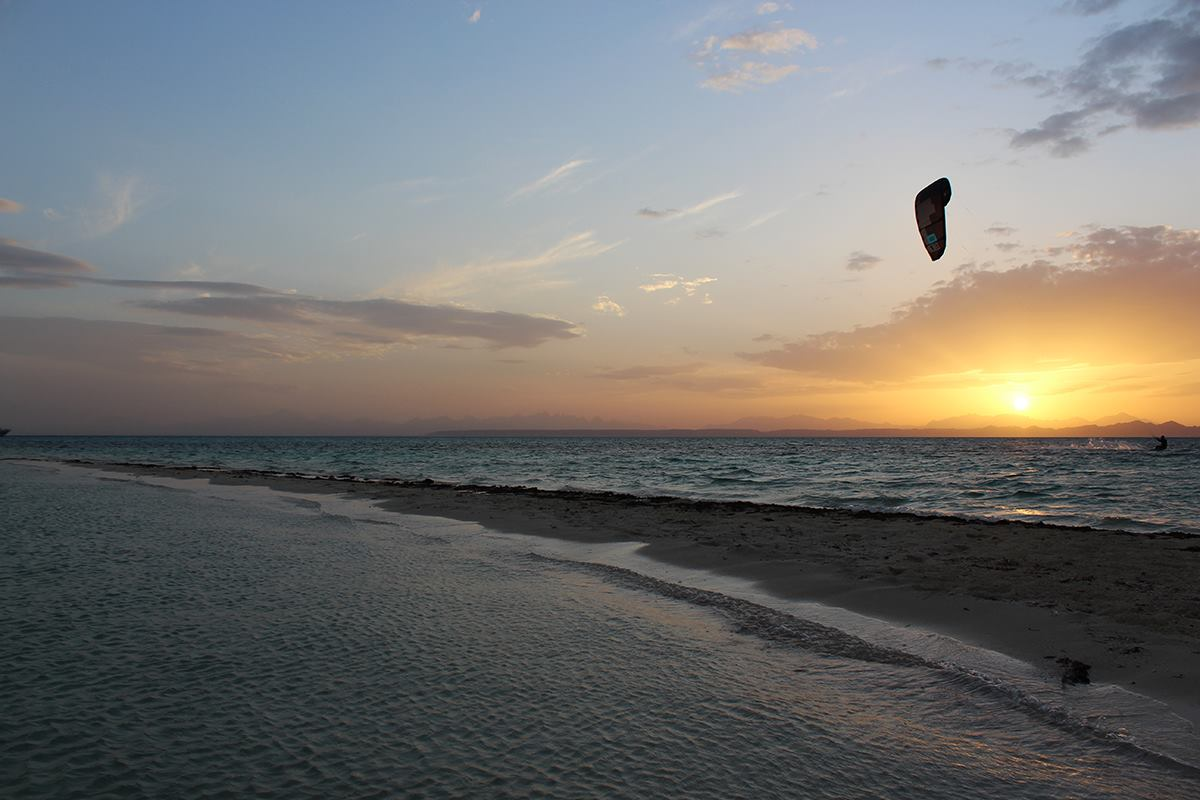 Picture from NKE's kite surfing safari Noveber 2018 sunset