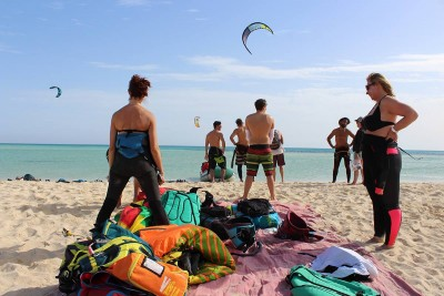 Picture from NKE's kite surfing safari Noveber 2018 safari guests on beach