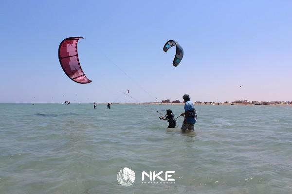 kids-kitesurfing-lesson