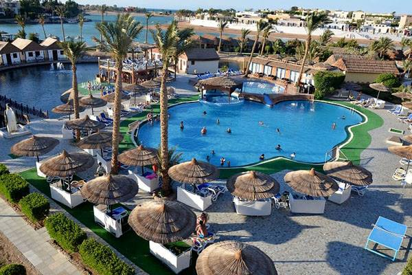 Kitesurfing Holiday Accommodation in 3* Hotel Panorama - pools