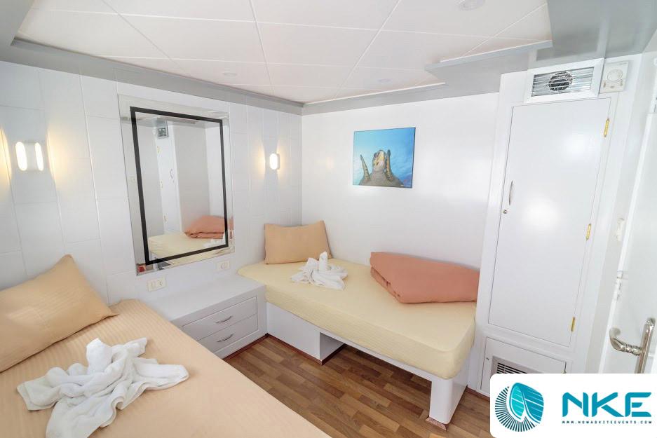 upper-deck-twin-cabin