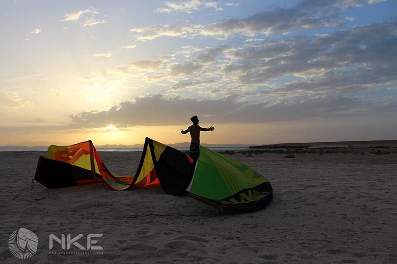 sunset-kite-session